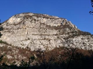 Il fianco della montagna appena salita