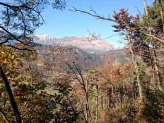 Vista in direzione nord con le prime montagne della bassa val d'ambiez