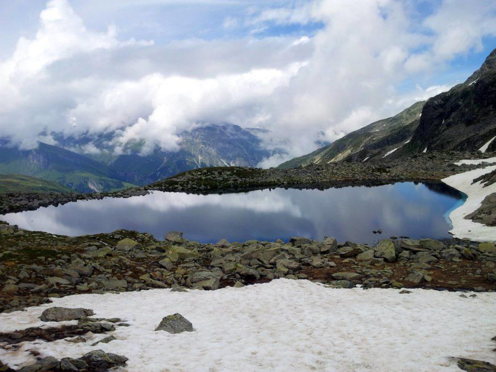 il lago di Bergseeli con la luce del sole acquisisce una sua dignità!! ;)