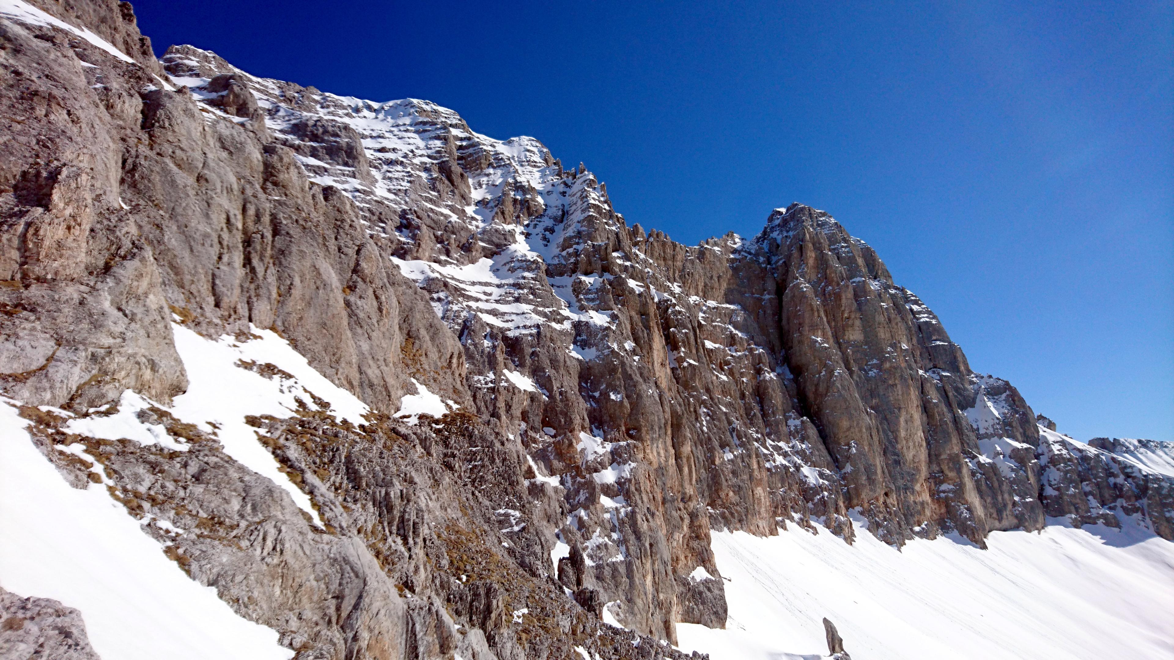 Vista verso i gruppi rocciosi della Pietra Grande