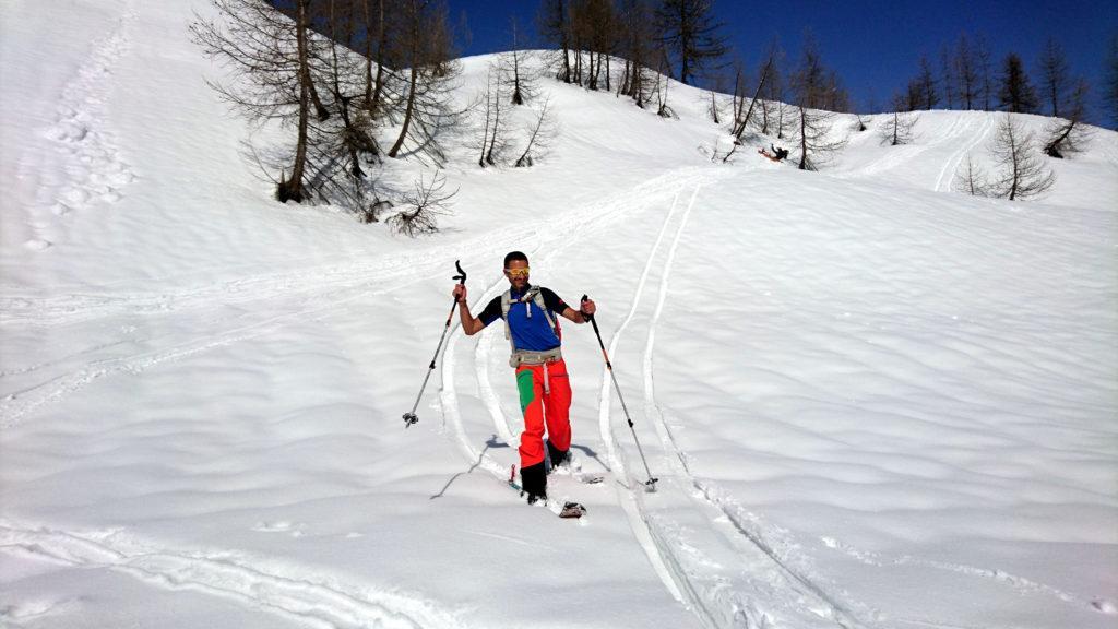 Il Gallo invece, dopo la sua riprova degli sci al Mucrone, si sente già sicuro sui due legni e scende senza ribaltarsi.....e ridendo....ridendo... :P