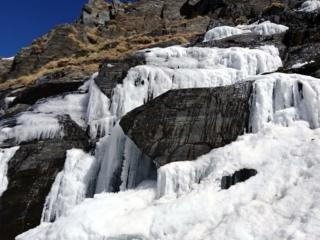 stalattiti in discesa verso la conca dei giganti