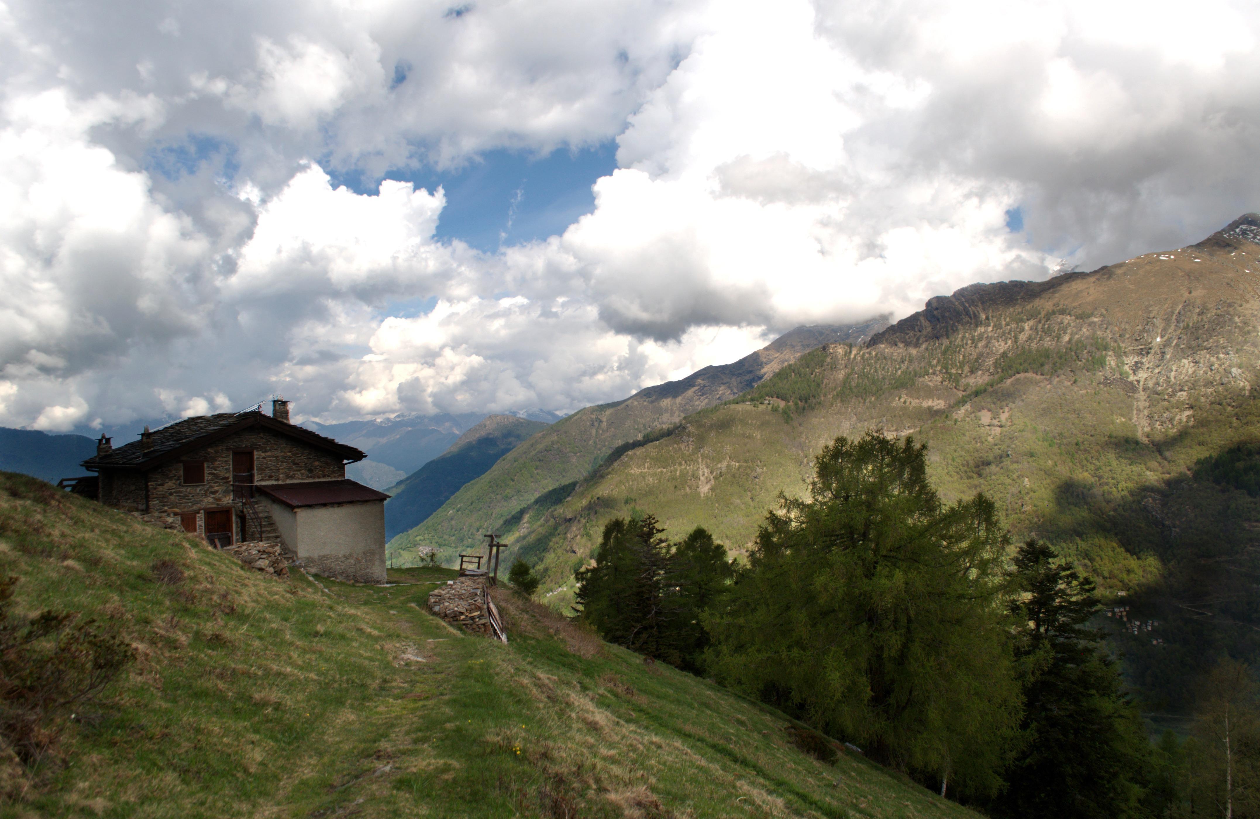 la prima baita dell'Alpe Chiarino