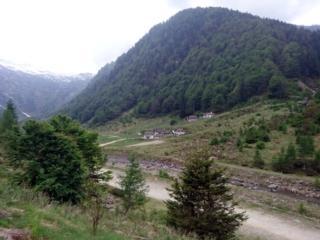 Il bel borgo di Fondo li Gabbi dalla parte opposta del fiume