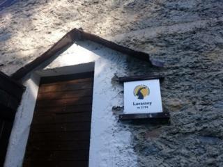 cartello del parco che contrassegna l'alpe Lavassey