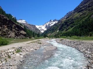 il bel fiume che traversa la Valsavarenche