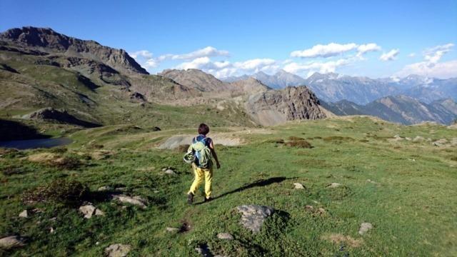 Erica a poche decine di metri dal lago di Raty, nel suo splendido ambiente alpino