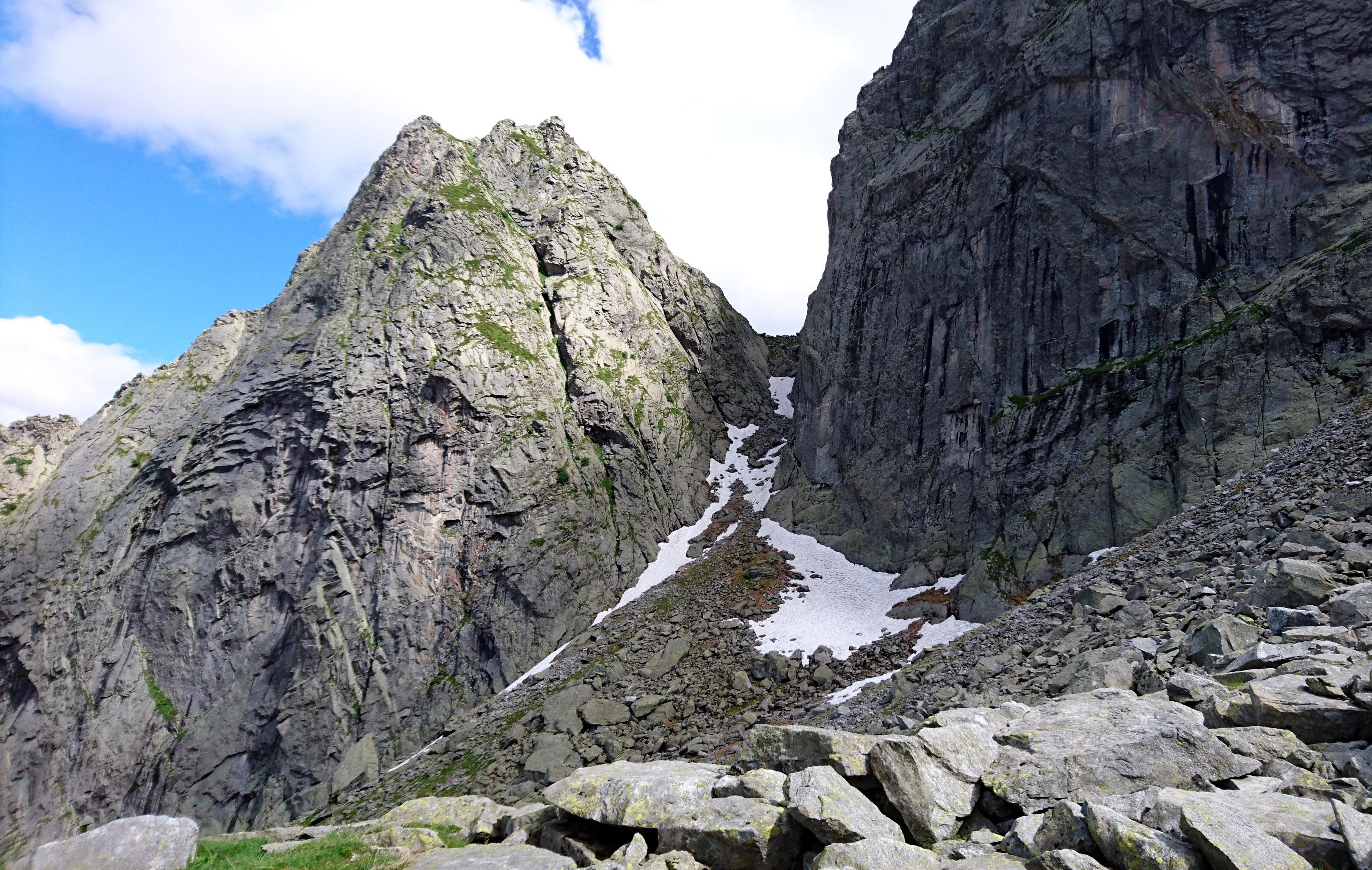 la bocchetta di Medaccio vista da poco più a valle