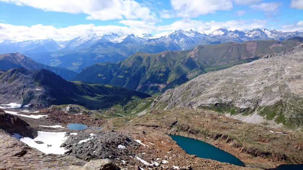 Vista vero il lago svizzero di Züessee