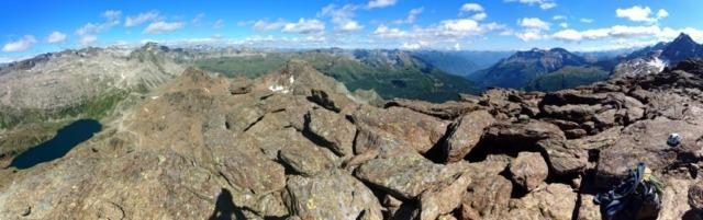 Panorama a 180 dalla cima