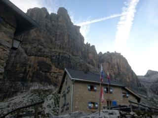 Altro sguardo verso il Castelletto. L'attesa è snervante. Vogliamo scalare!!!