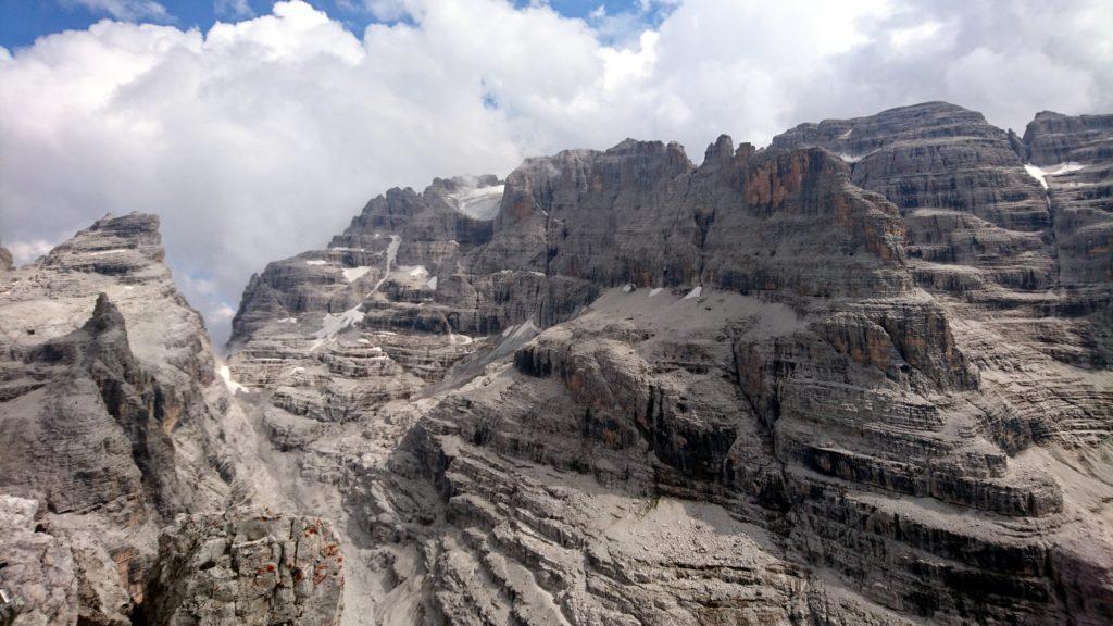 Foto in direzione del ghiacciaio della Cima Brenta....o di ciò che ne resta.... :(