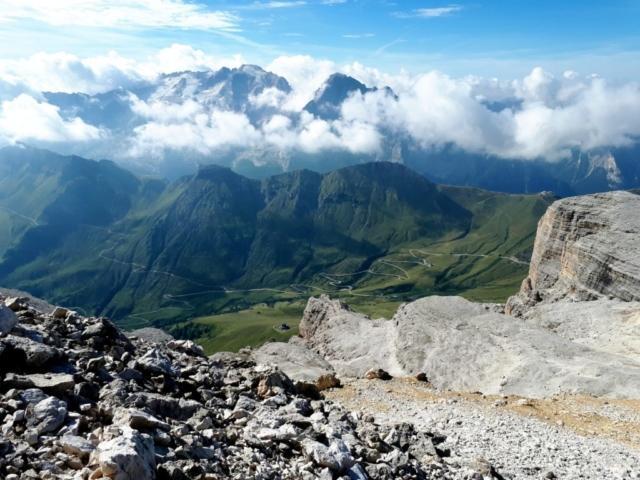uno sguardo verso i ghiacciai della Marmolada