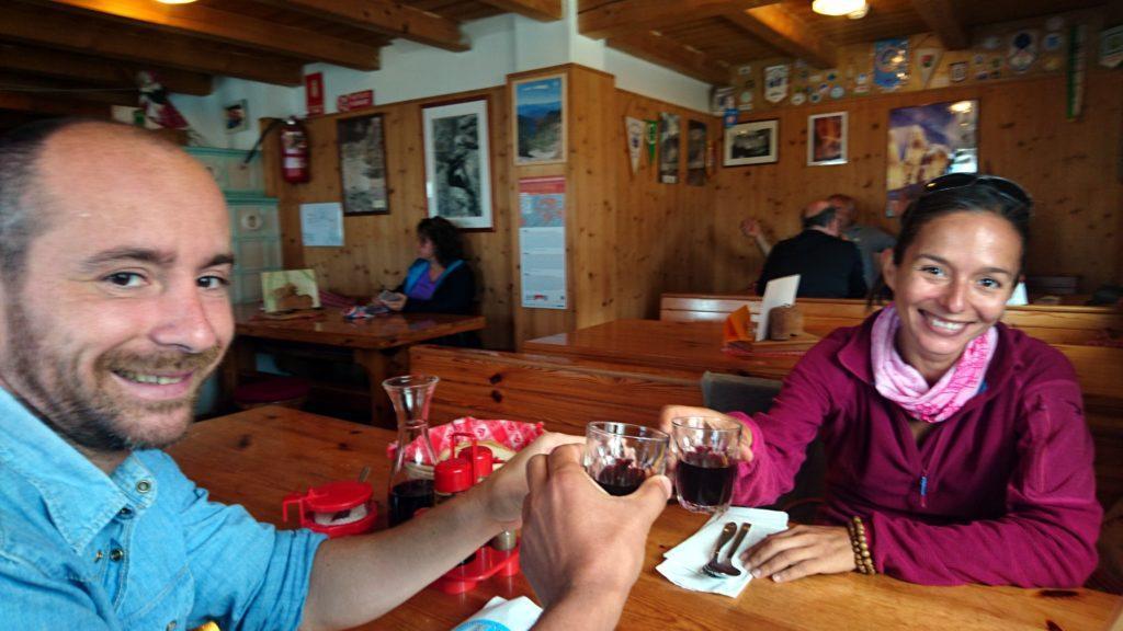 pausa pranzo alcolica: notare la mano mossa del fotografo ;)