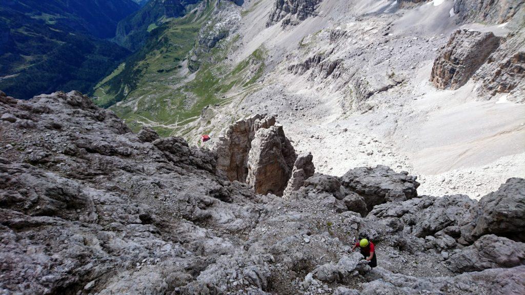 l'ultima -lunga- parte della salita presenta numerosi sfasciumi e rocce instabili