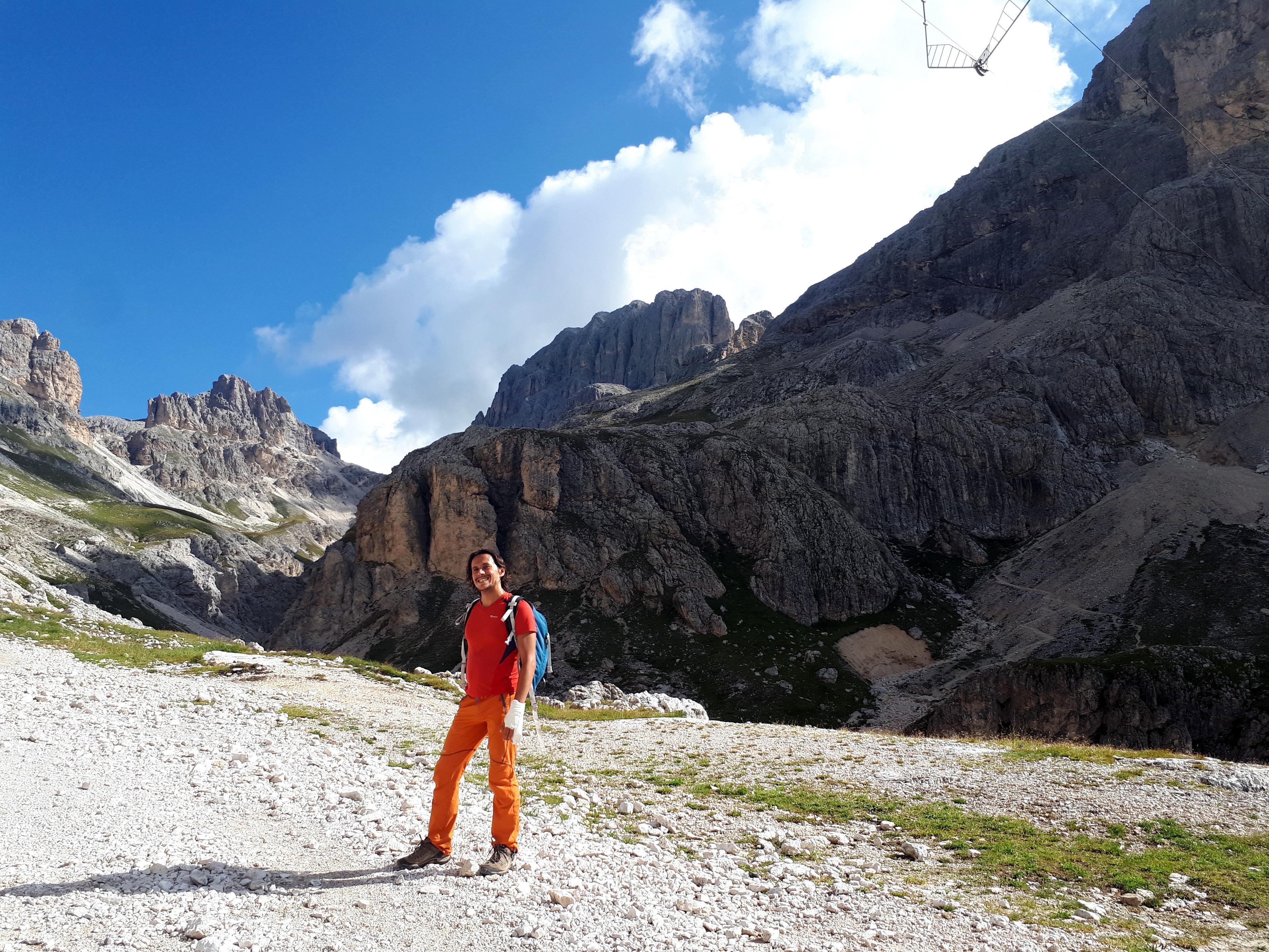 Riprendiamo il sentiero che dal rifugio Vajolet porta verso il Passo Principe