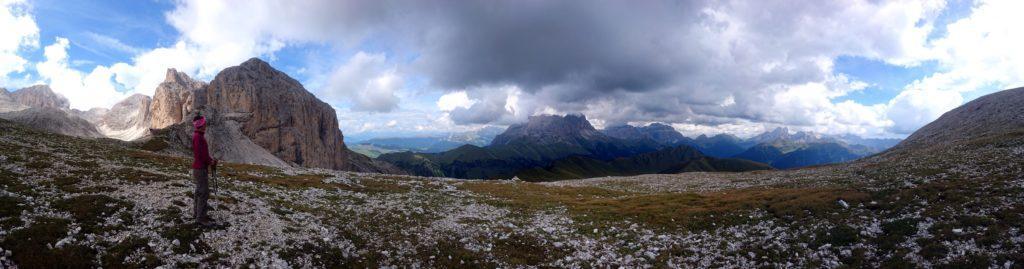 Panoramica dal passo sopra al rifugio Antermoia