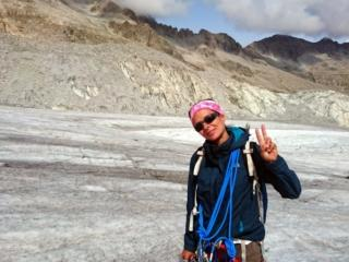 evviva! il ghiacciaio non è in ottime condizioni, ma almeno i crepacci si vedono e possiamo avanzare tranquilli