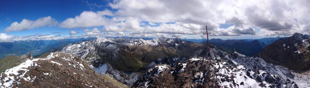 panoramica della cima del Diavolo della Malgina con vista verso est