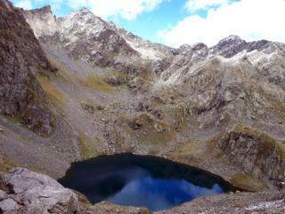 il bel lago della Malgina con la luce del pomeriggio