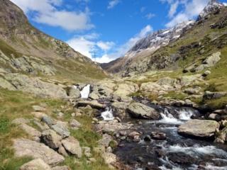 il torrente che collega i laghi di Barbellino