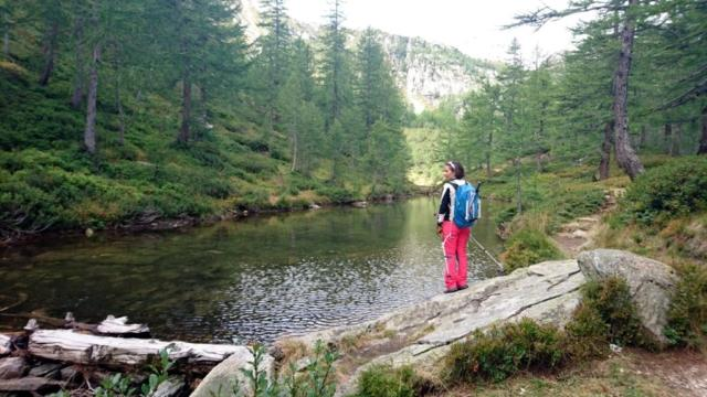 il Lago delle Streghe... e la strega, che si sente un pò a casa sua!