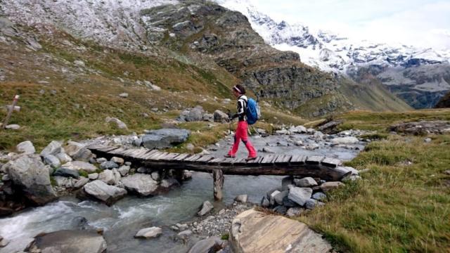 il ponticello che permette il passaggio sul versante opposto della valle