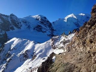 aggiriamo il Piz Trovat dal suo lato est in direzione della forcella da cui si accede al ghiacciaio