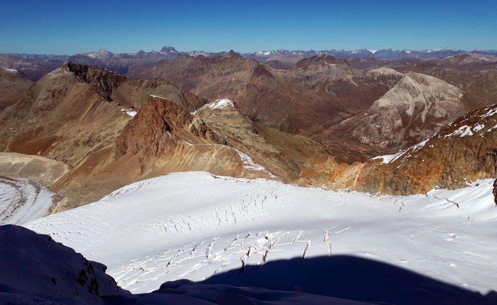 al termine della traversata dei crepacci, ci si ricongiunge con la traccia dell'andata ad un'altezza di circa 3300mt