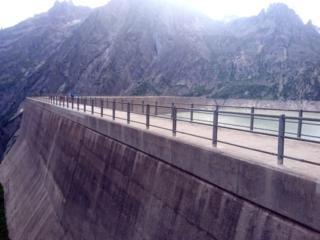 Scorcio della diga del lago di Albigna