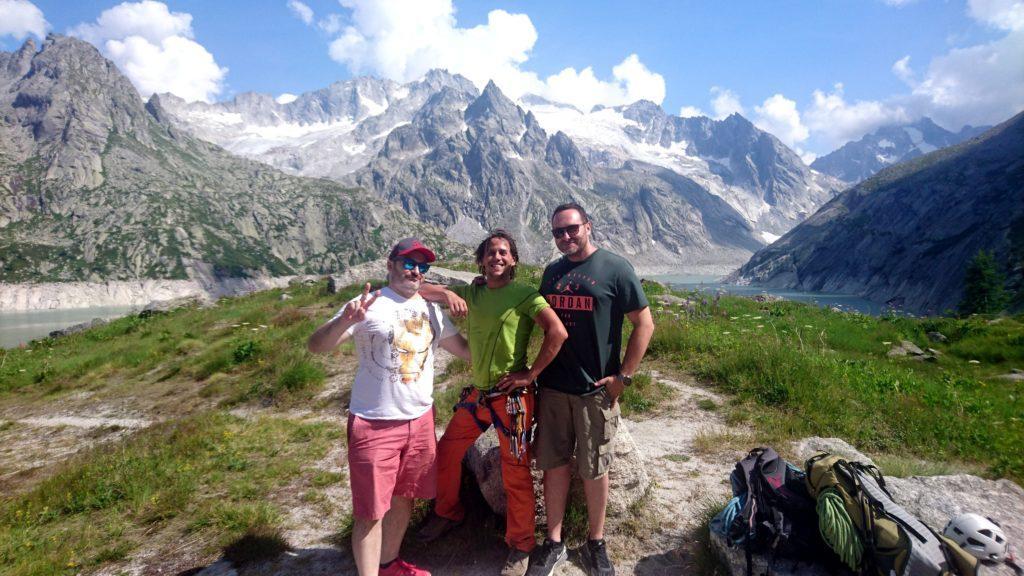 Foto rarissima! In questa avventura siamo stati accompagnati da Francesco e Cristiano, due miei compagni di ASILO che ancora oggi frequento e che si sono occupati delle riprese col drone