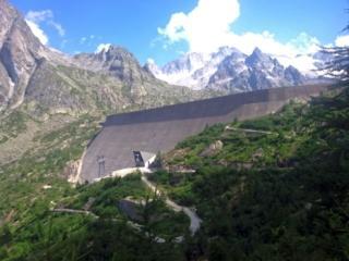 la diga di Albigna dal sentiero che torna verso la funivia