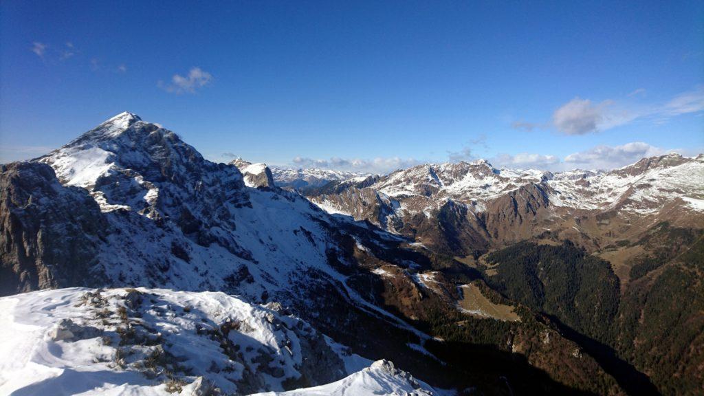 vista spettacolare verso l'Arera e il Parco delle Alpi Orobiche Bergamasche