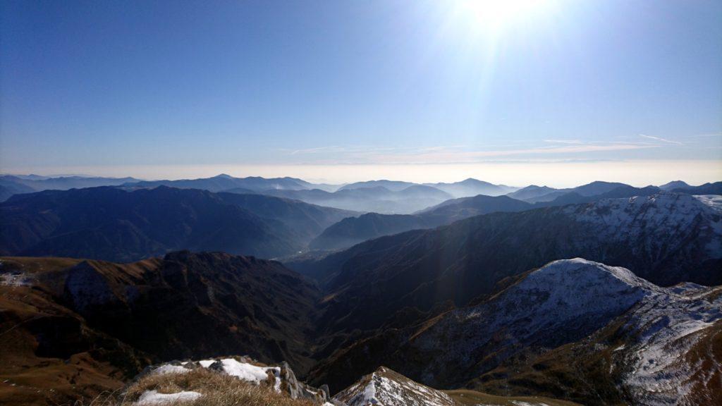 uno sguardo a sud, verso la Val Seriana e la Val del Riso