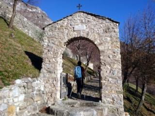 Dopo circa 40 minuti raggiungiamo la porta di accesso al monastero, luogo davvero splendido e dalla posizione invidiabile