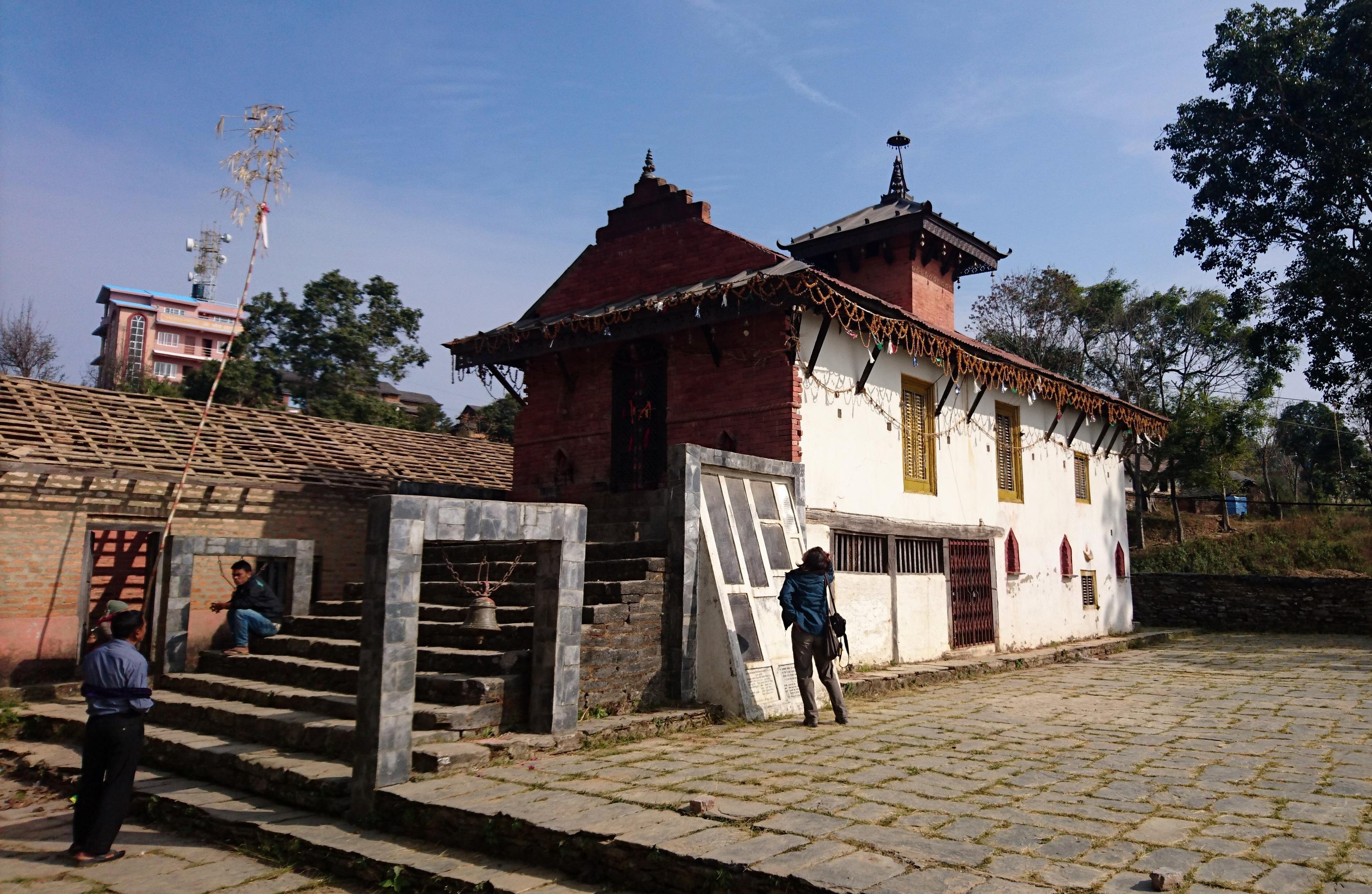 il piccolo tempio in cima alla collina di Bandipur