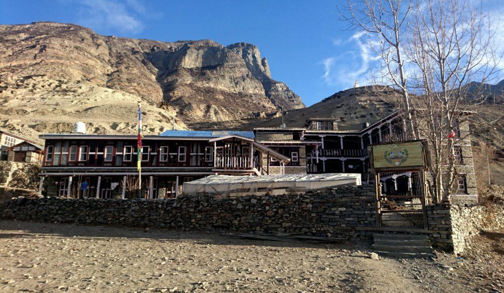 la nostra guest house, che lasciamo per la nostra gita in giornata verso l'Ice Lake