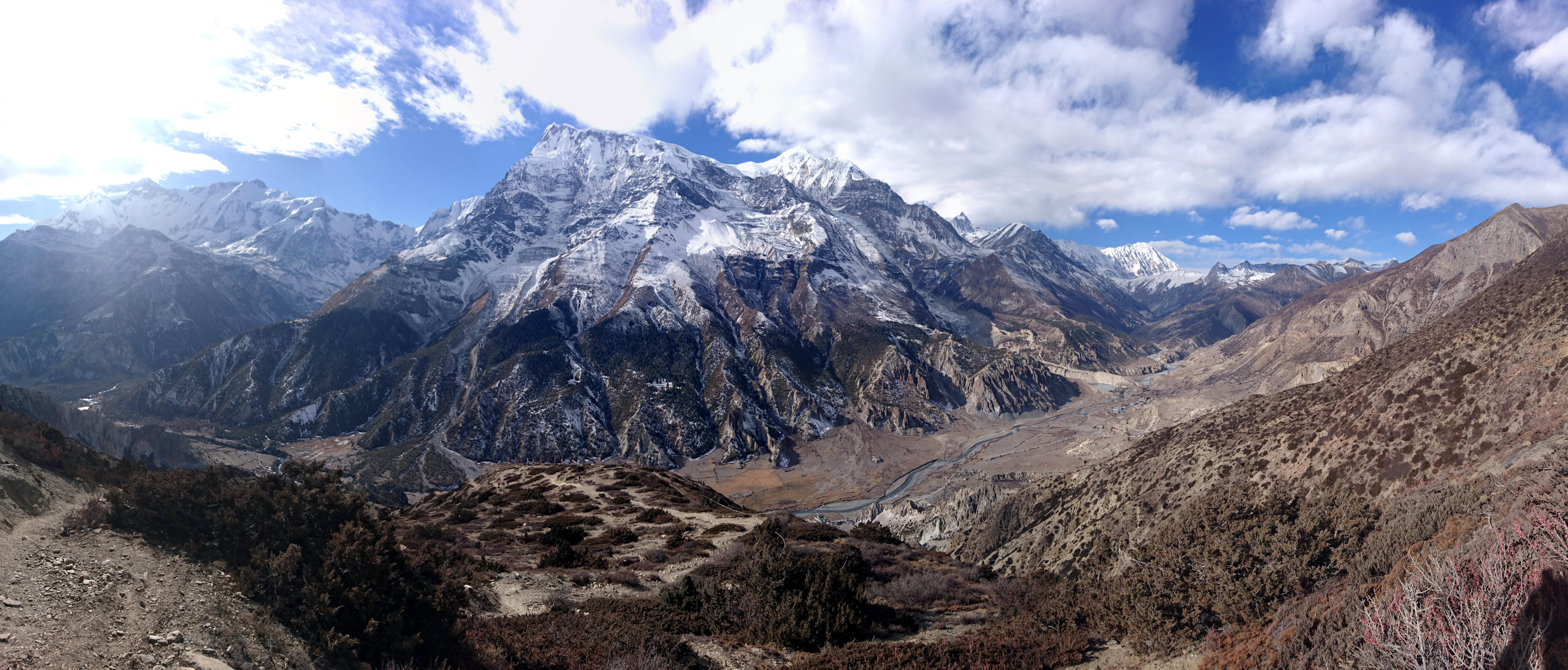 paesaggio a 180° della valle del Marsyangdi