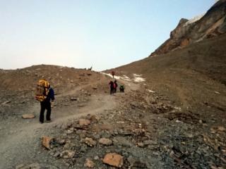 ci avviciniamo al Thorong La Pass