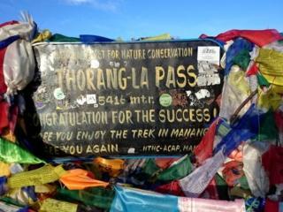 Thorong La Pass e l'adesivo di inmontagna.blog!