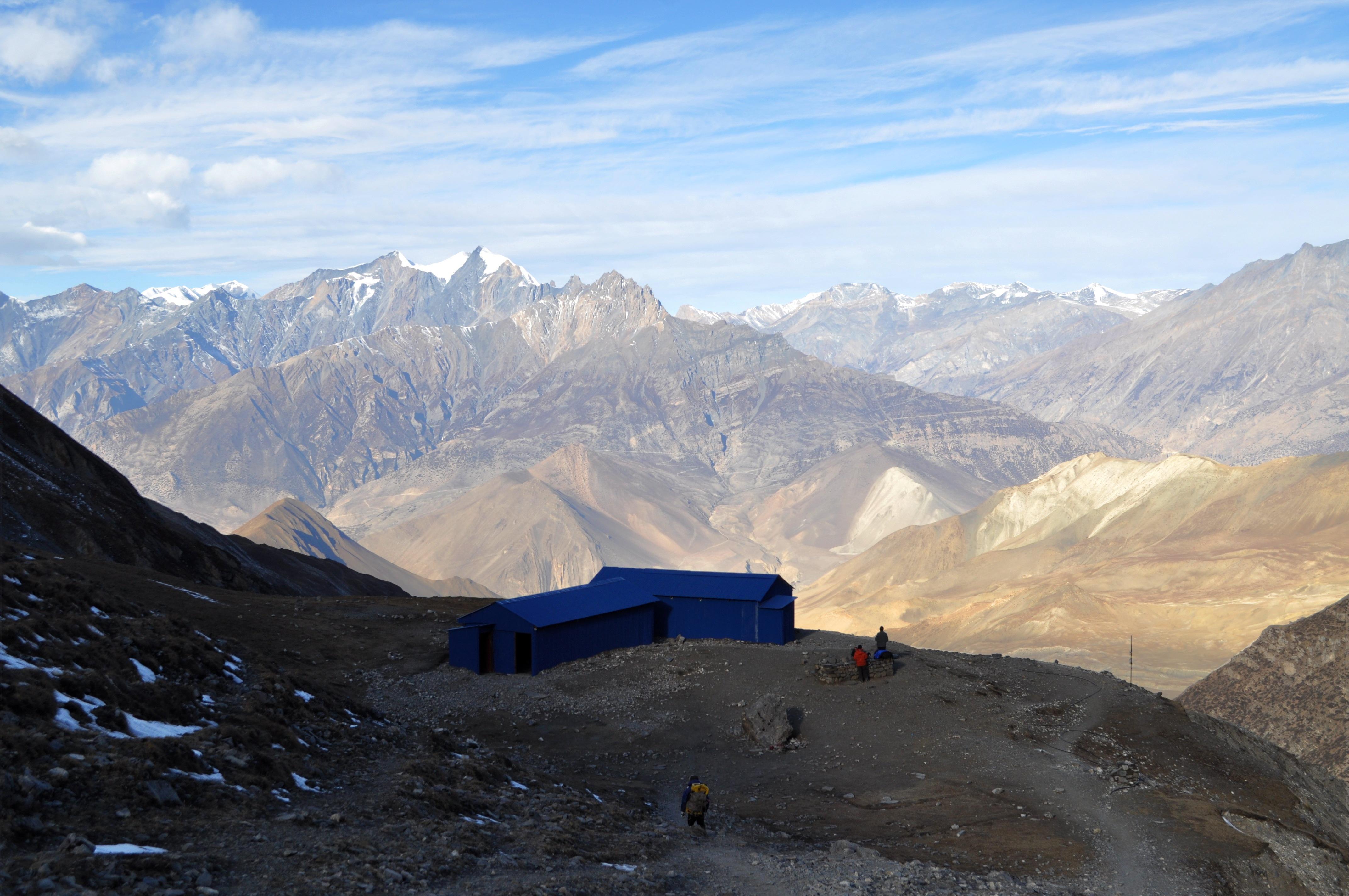 le casette azzurre, nate come rifugi in caso di tempeste di vento