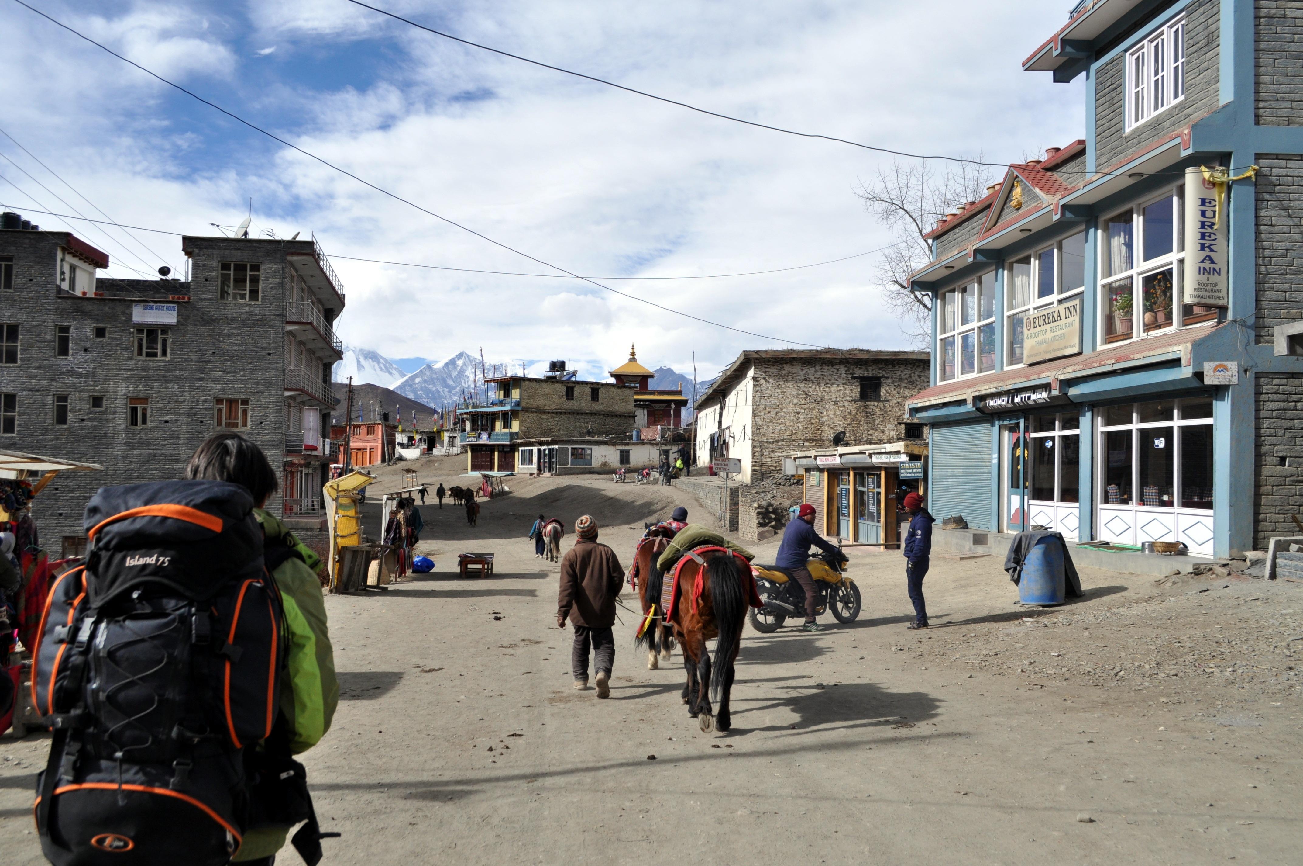 Muktinath: sembra una cittadina del west