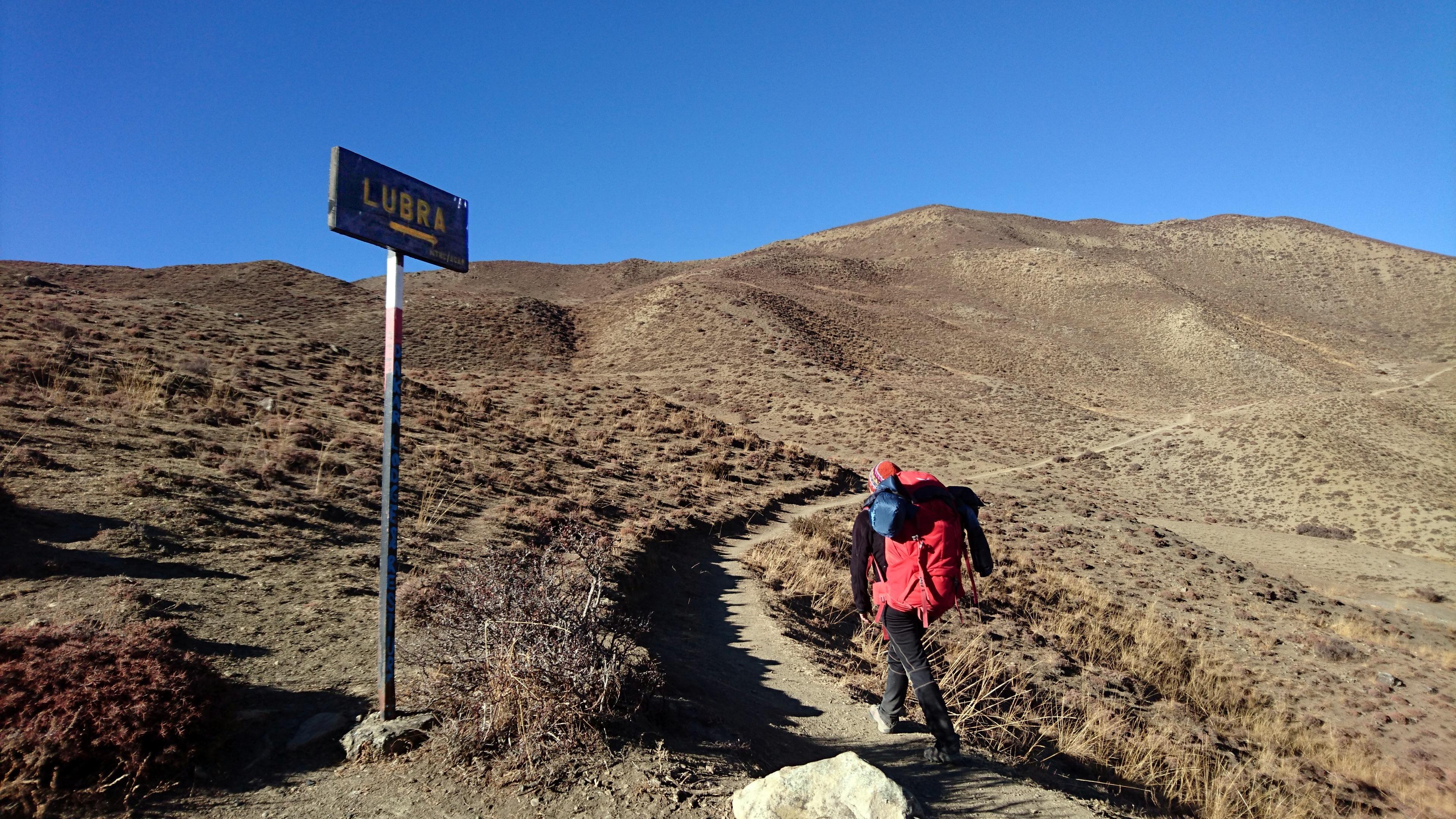 cominciamo a salire sui colli, in direzione di Lubra