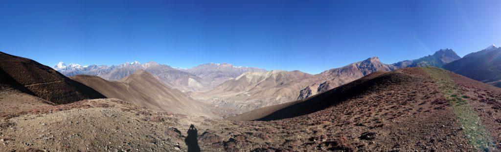 180° dalla cima del colle sul quale siamo saliti lungo il sentiero per Lubra