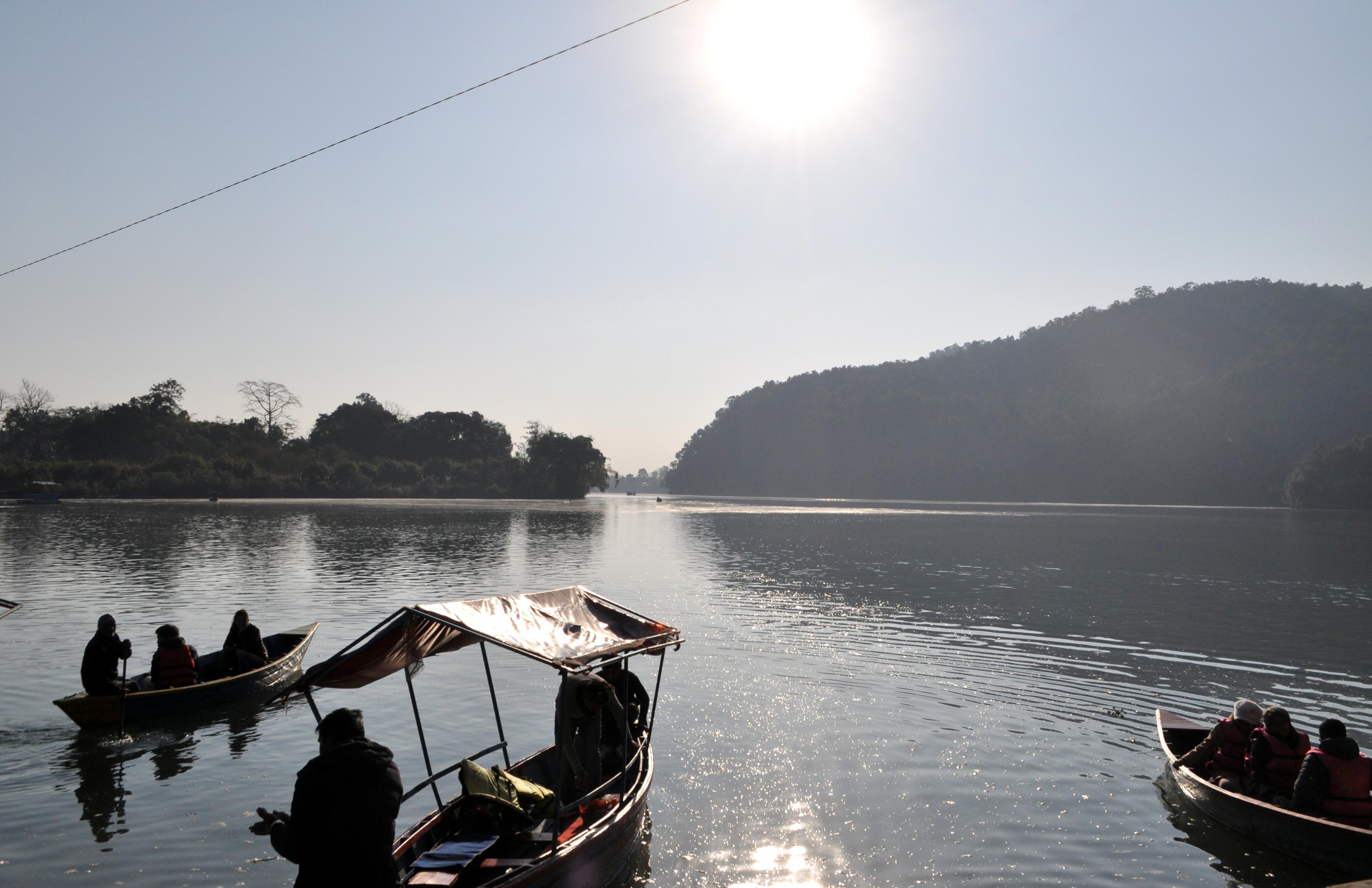 lago di Pokhara