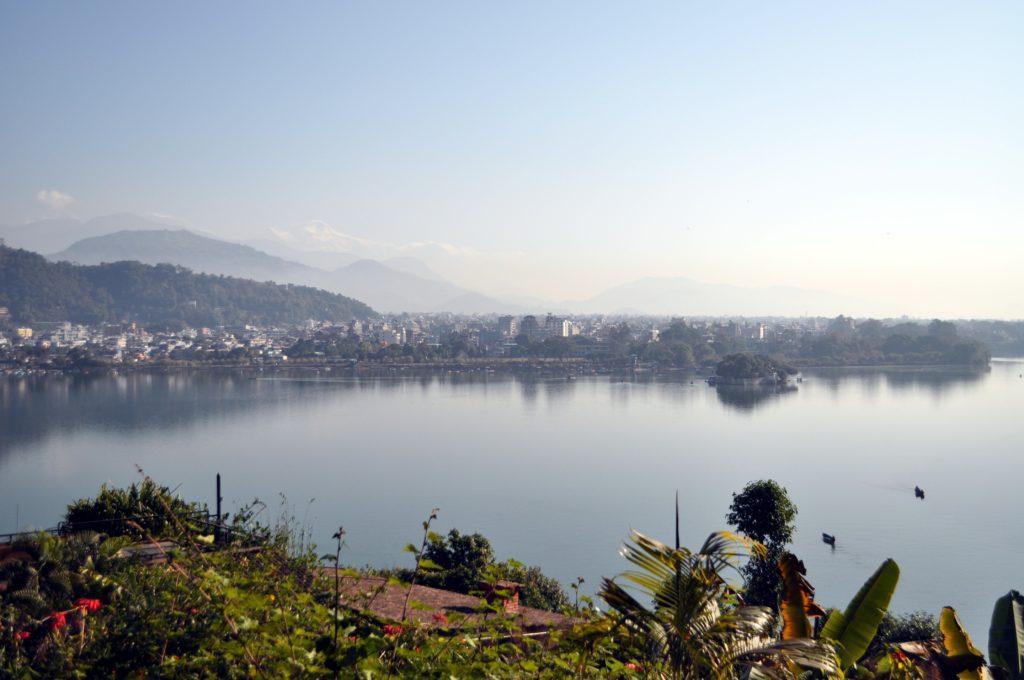 dall'altra parte del lago, Pokhara