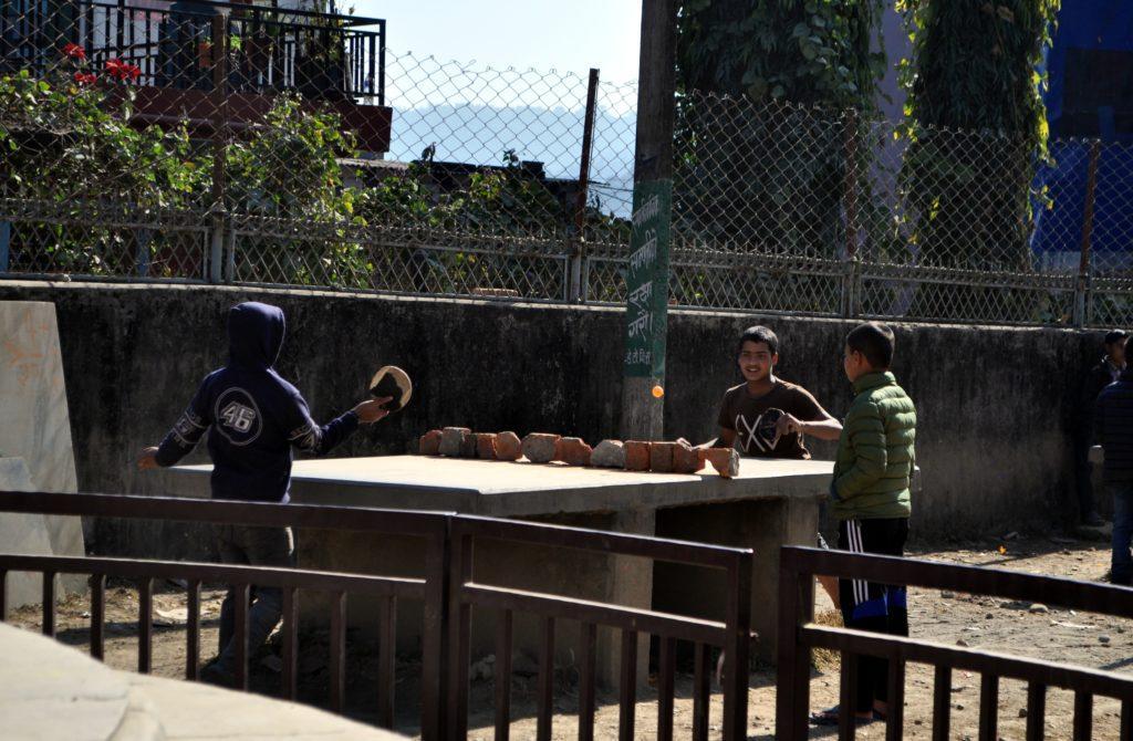 ping pong alternativi: la povertà aguzza l'ingegno