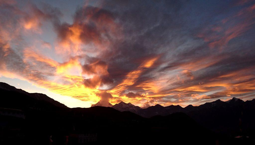 il Dhaulagiri al tramonto... infuocato!