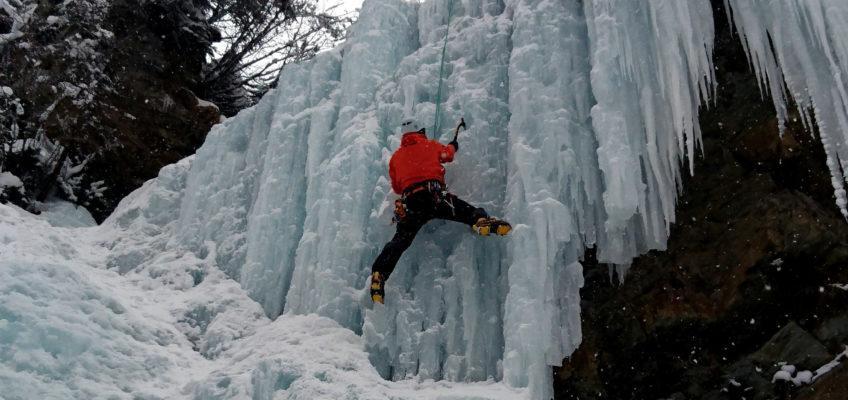 Cascata di ghiaccio di Campolaro