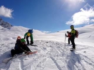 Pronti alla discesa finale!! In realtà non sarà affatto finale in quanto ripelleremo una quarta volta vista la qualità della neve! ;)